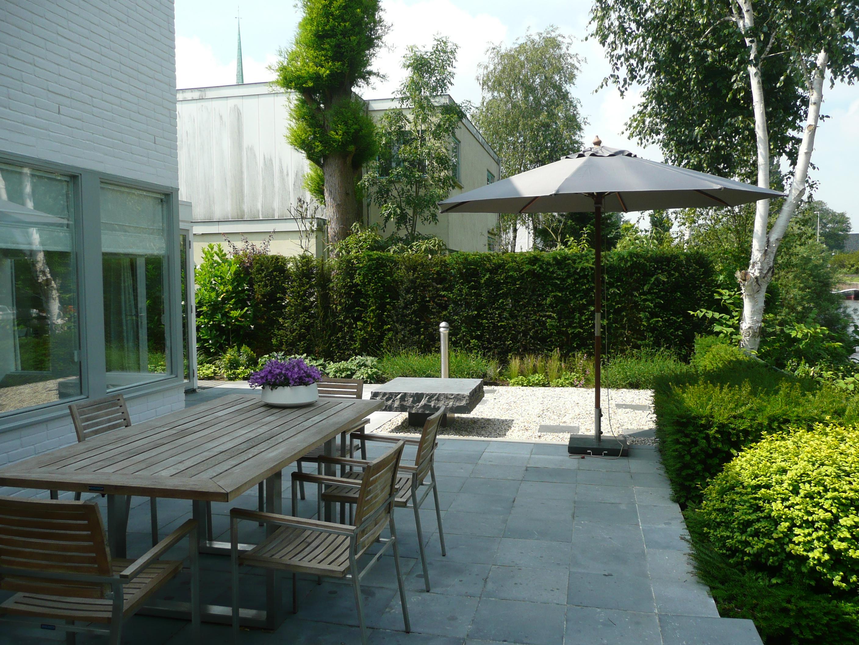 Moderne tuin met groot terras in amsterdam anneke van megen