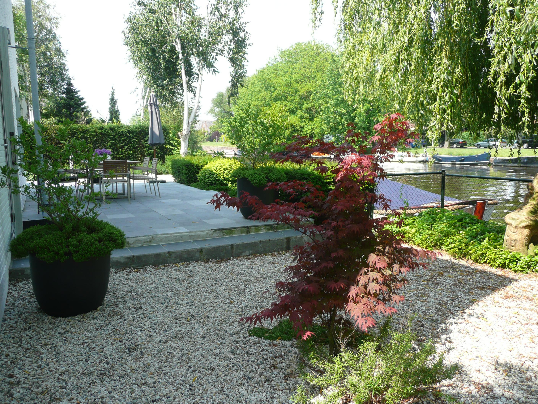 Moderne Tuin Met Grote Tegels En Grind Anneke Van Megen